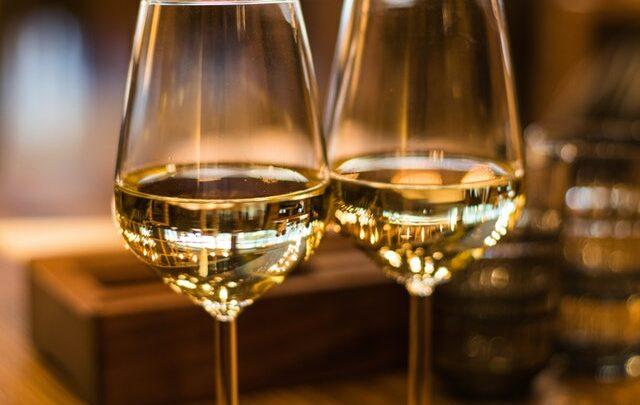 Vælg den rette hvidvin – 6 brugbare tips som du skal kende