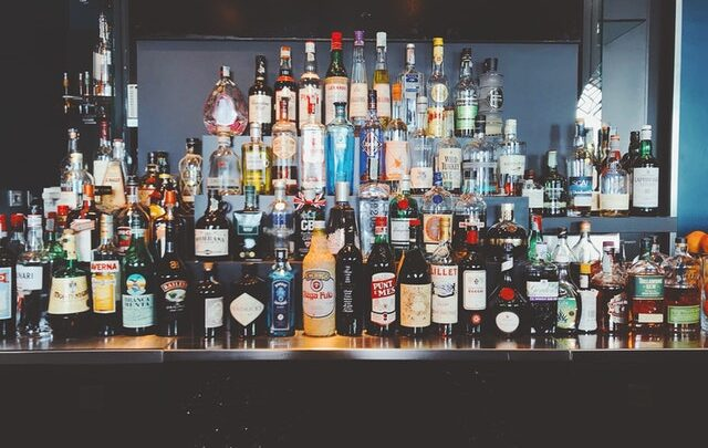 Danskernes favoritter: Vin, gin og whisky