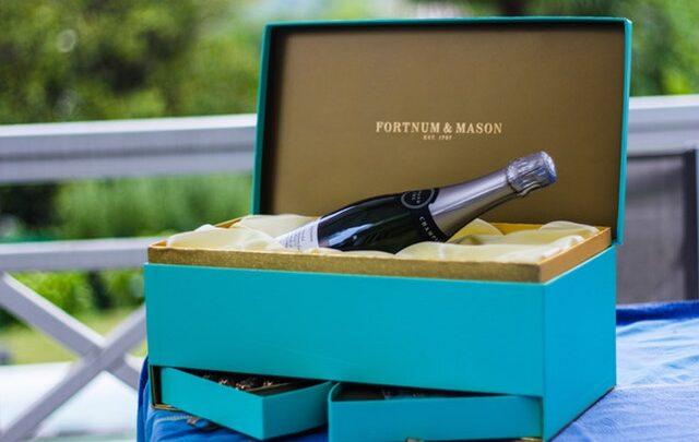 En god flaske vin gør en festlig lejlighed lidt mere festlig