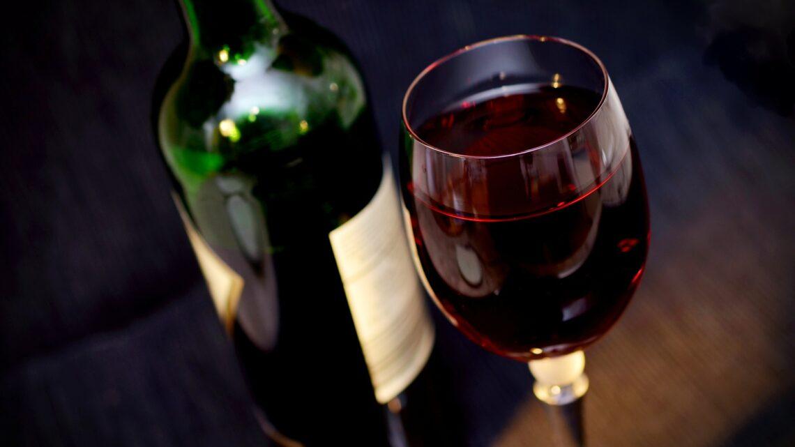 Til dig der mangler en god vin til online casino spil