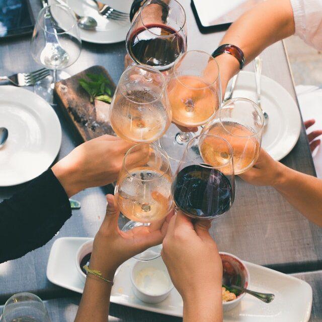 Hvilken vin er god til en hyggelig spilaften?