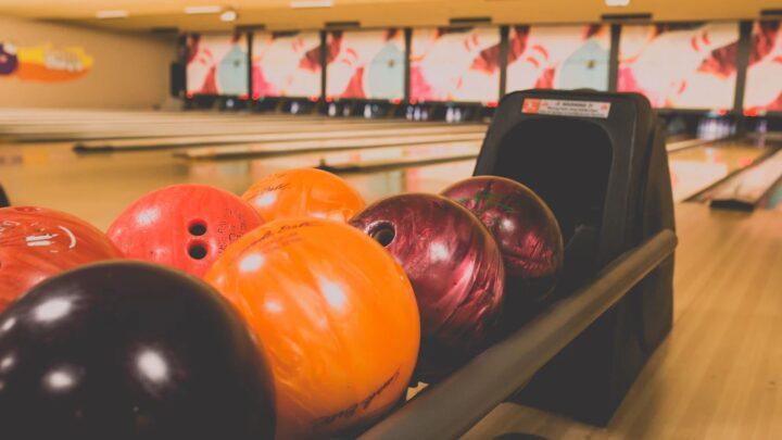 Hold et brag af en julefrokost i bowlingcentret